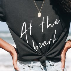 Conscious collab – La Luna Rose teams up with 3 For The Sea with ocean-friendly tees
