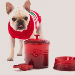 The Le Creuset Pet Collection brings all the good boys to the yard